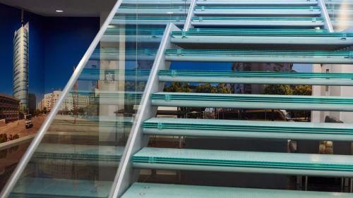 Escada de Acesso a Sala Multiusos 2
